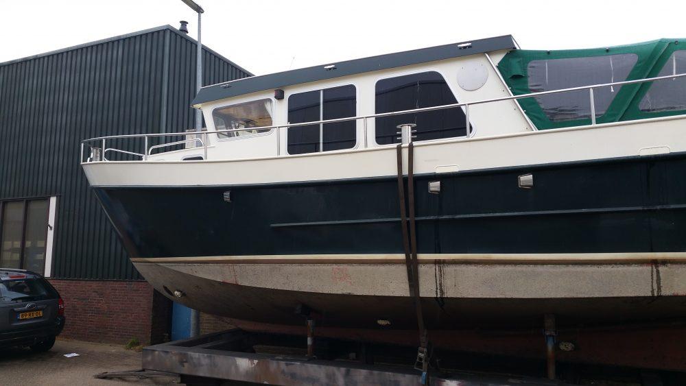 jachtbouw-verbouw-groene-motorboot1