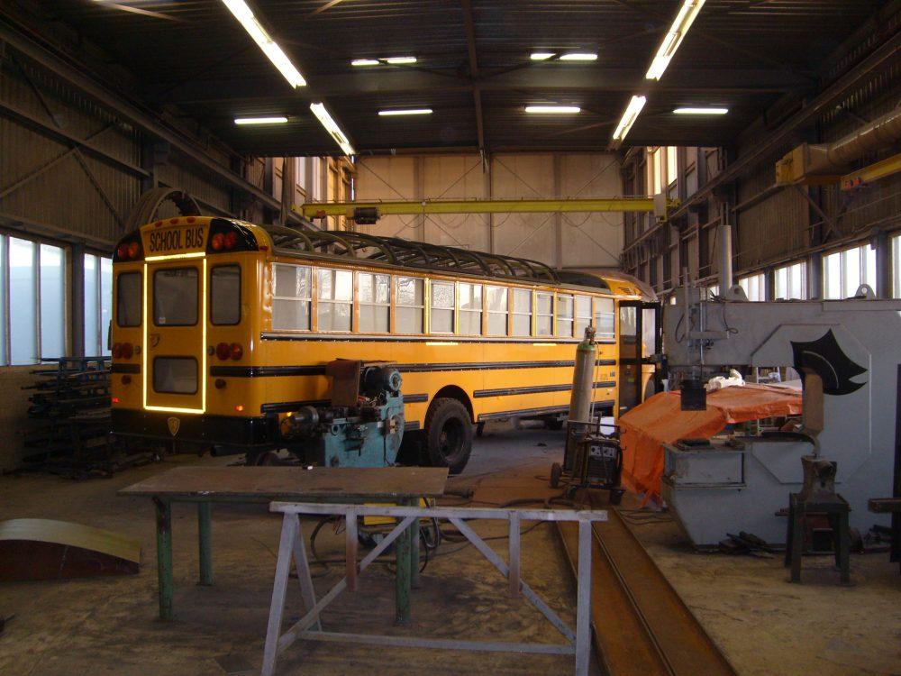 staal-contructies-schuifdak-schoolbus3